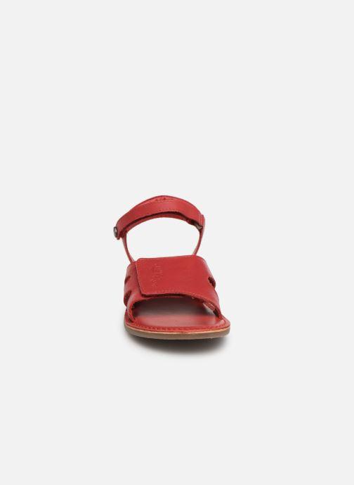 Sandalen Kickers Dimoi rot schuhe getragen