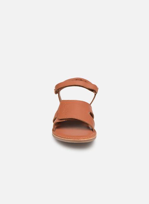 Sandales et nu-pieds Kickers Dimoi Marron vue portées chaussures