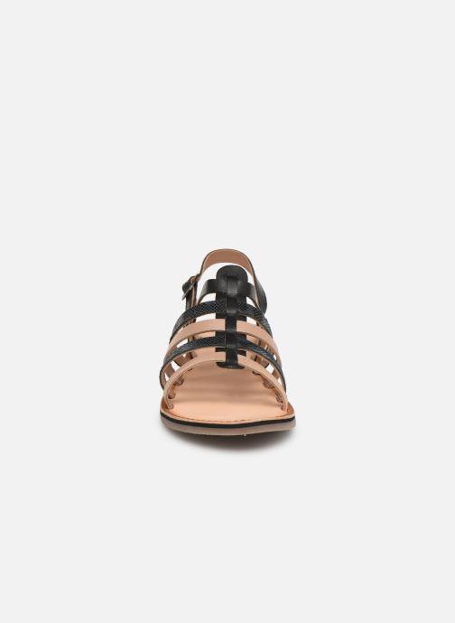 Sandales et nu-pieds Kickers Dixon Noir vue portées chaussures