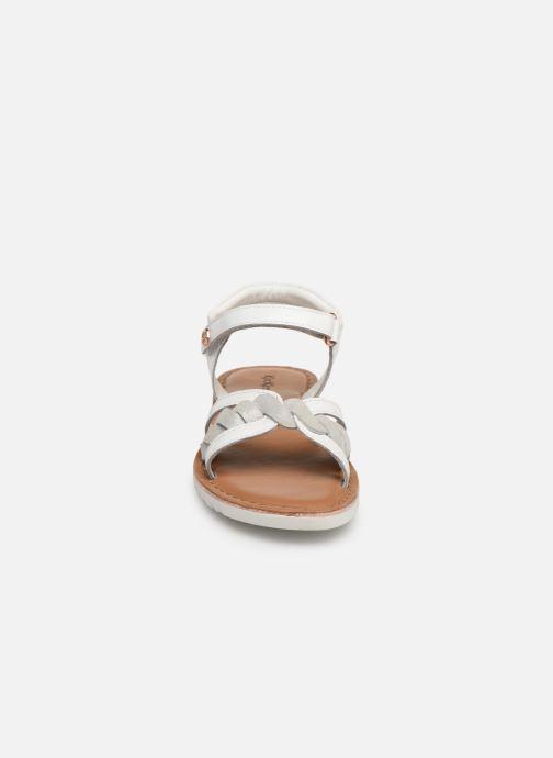Sandales et nu-pieds Kickers Betty E Blanc vue portées chaussures