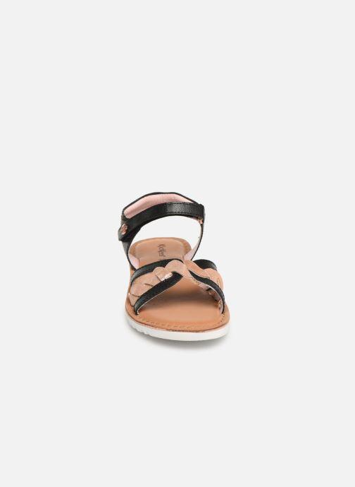 Sandales et nu-pieds Kickers Betty E Noir vue portées chaussures