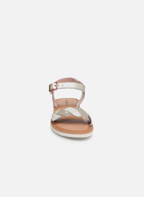 Sandales et nu-pieds Kickers Beth Argent vue portées chaussures