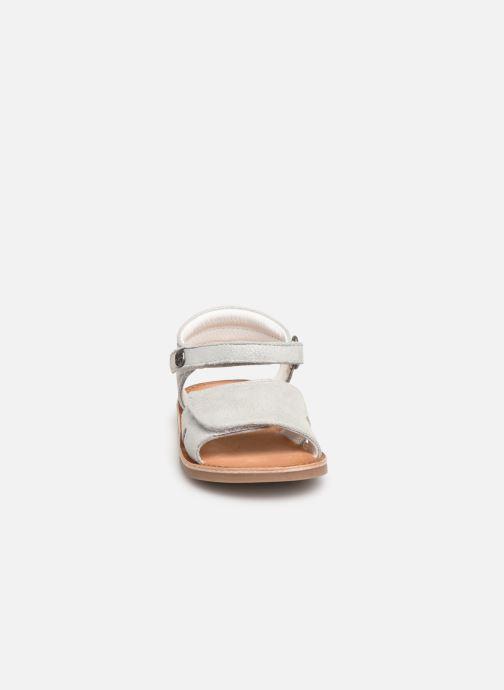 Sandales et nu-pieds Kickers Divimoi Argent vue portées chaussures