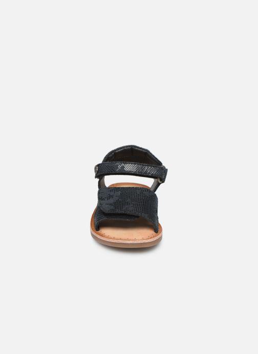 Sandales et nu-pieds Kickers Divimoi Noir vue portées chaussures