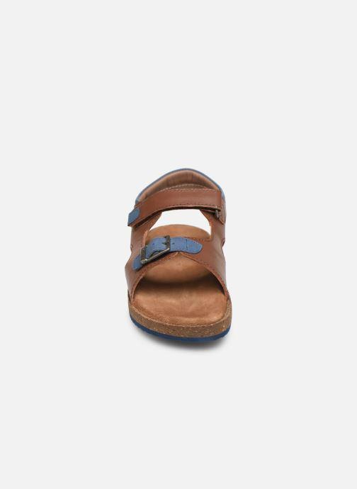 Sandales et nu-pieds Kickers Funkyo Marron vue portées chaussures