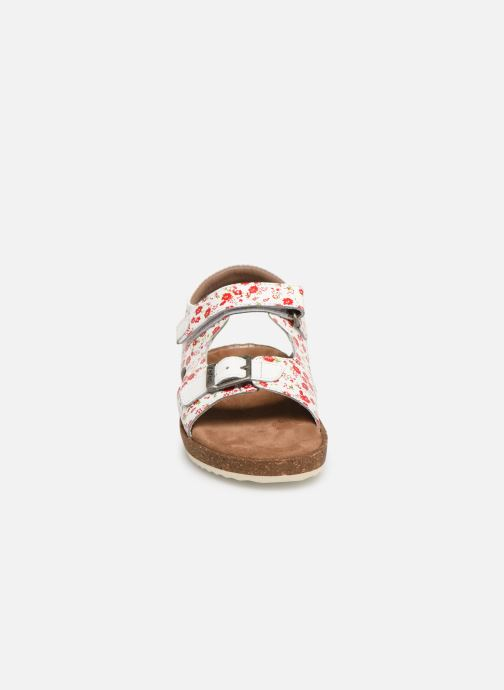 Sandalen Kickers Funkyo weiß schuhe getragen