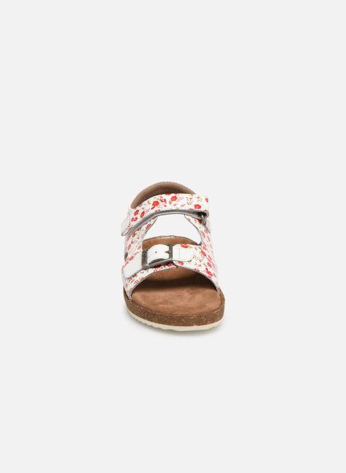 Sandales et nu-pieds Kickers Funkyo Blanc vue portées chaussures