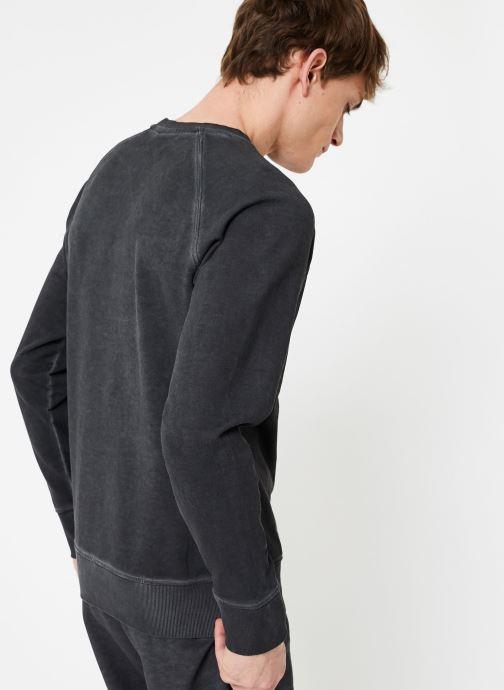 Vêtements Diadora Sweatshirt Crew Spectra Used Noir vue portées chaussures