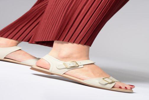 Sandales et nu-pieds Clarks BAY PRIMROSE Noir vue bas / vue portée sac