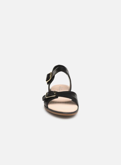 Sandales et nu-pieds Clarks BAY PRIMROSE Noir vue portées chaussures