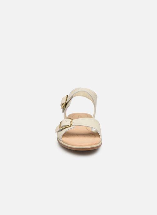 Sandales et nu-pieds Clarks BAY PRIMROSE Blanc vue portées chaussures