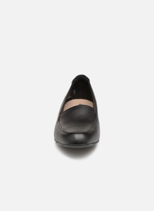 Mocassins Clarks JULIET LORA Noir vue portées chaussures