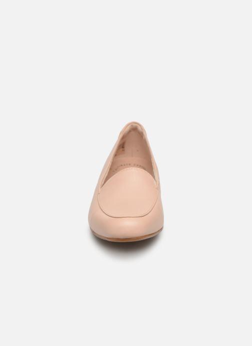 Mocassins Clarks JULIET LORA Beige vue portées chaussures