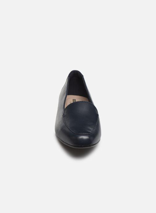 Mocassins Clarks JULIET LORA Bleu vue portées chaussures