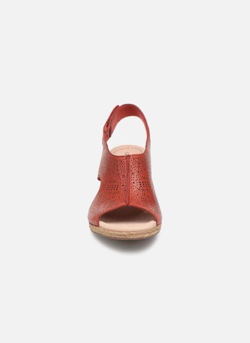Sandales et nu-pieds Clarks LAFLEY ROSEN Bordeaux vue portées chaussures