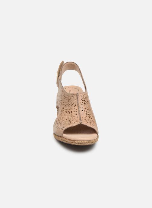 Sandales et nu-pieds Clarks LAFLEY ROSEN Beige vue portées chaussures