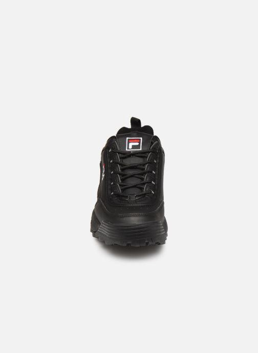 Sneakers FILA Disruptor Low M Nero modello indossato