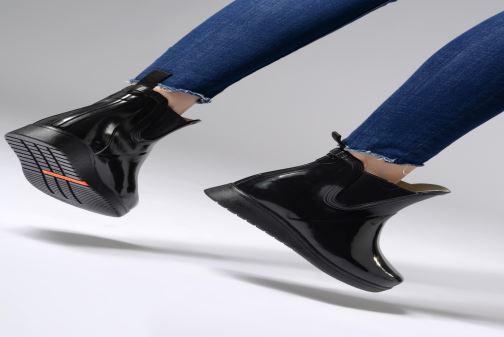 Bottines et boots Tretorn Charlie Classic Patent Noir vue bas / vue portée sac