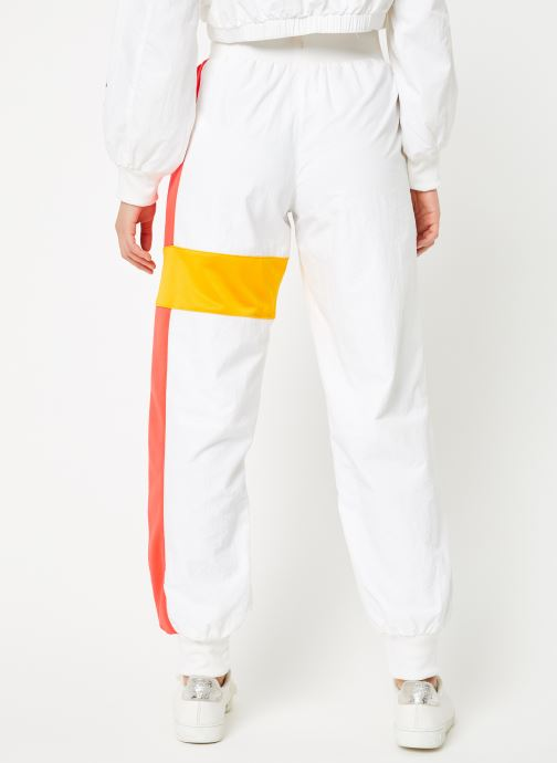 Vêtements Reebok Gigi Track Pants Blanc vue portées chaussures