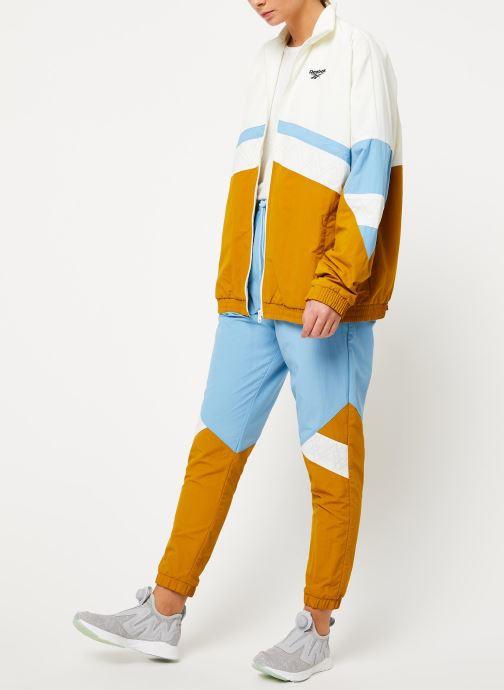 Vêtements Reebok Gigi Track Pants Bleu vue bas / vue portée sac
