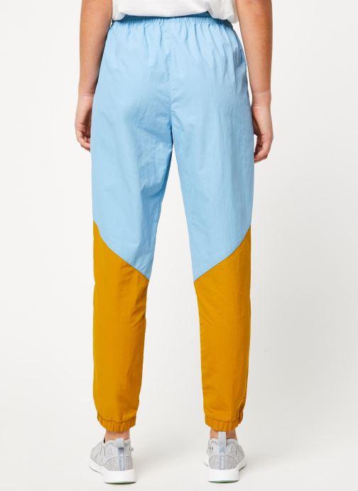 Vêtements Reebok Gigi Track Pants Bleu vue portées chaussures