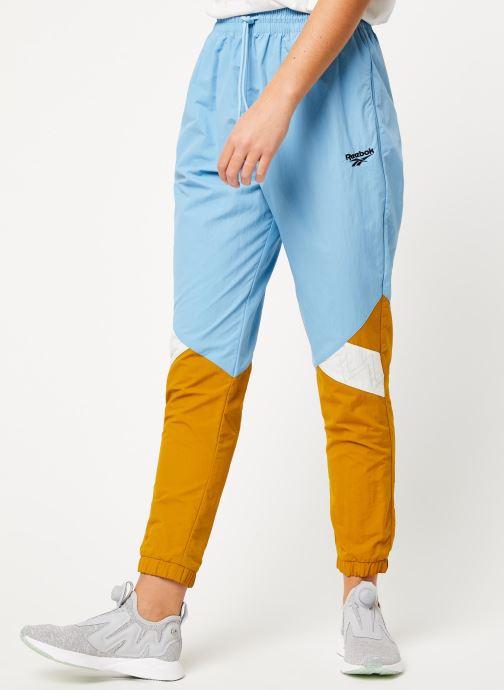 Vêtements Reebok Gigi Track Pants Bleu vue détail/paire