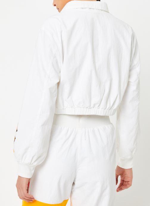 Vêtements Reebok Gigi Trackjacket Blanc vue portées chaussures