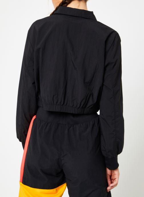 Vêtements Reebok Gigi Trackjacket Noir vue portées chaussures
