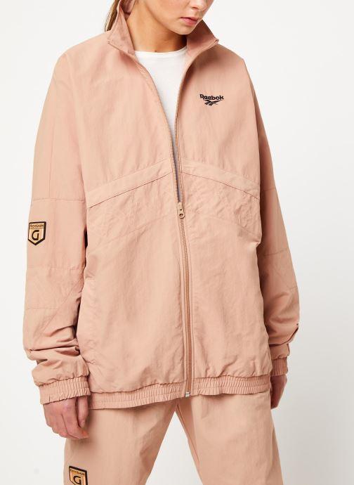 Vêtements Reebok Gigi Trackjacket Beige vue détail/paire
