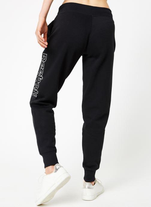 Vêtements Reebok AC GR Pant Noir vue portées chaussures