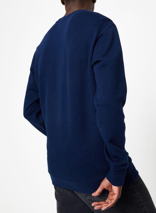 Vêtements Reebok AC FT Big Starcrest Crew Bleu vue portées chaussures