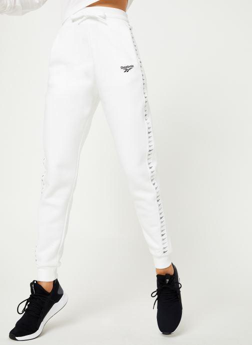 Vêtements Reebok CL V P Jogger Blanc vue détail/paire