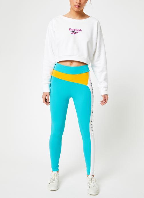 Vêtements Reebok CL V P Crew Blanc vue bas / vue portée sac