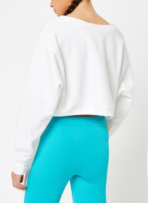 Vêtements Reebok CL V P Crew Blanc vue portées chaussures