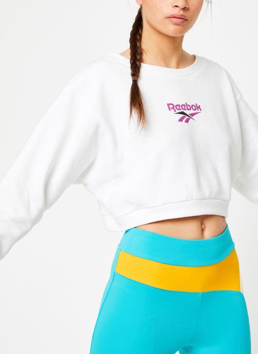 Vêtements Reebok CL V P Crew Blanc vue détail/paire