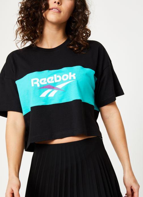 Vêtements Reebok CL V P Cropeed Tee Noir vue détail/paire