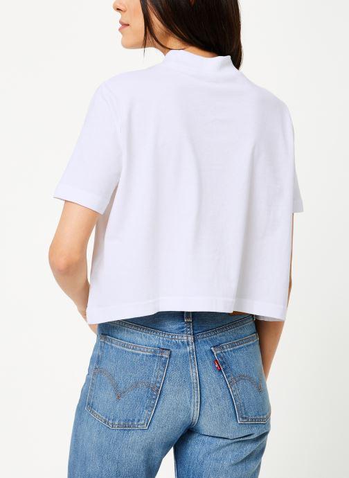 Vêtements Reebok CL V P Cropeed Tee Blanc vue portées chaussures