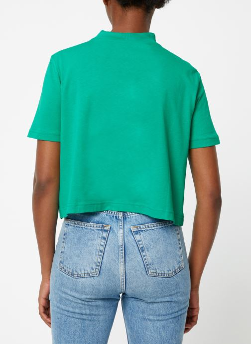 Vêtements Reebok CL V P Cropeed Tee Vert vue portées chaussures