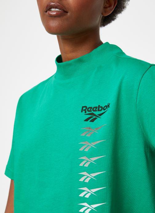 Vêtements Reebok CL V P Cropeed Tee Vert vue face
