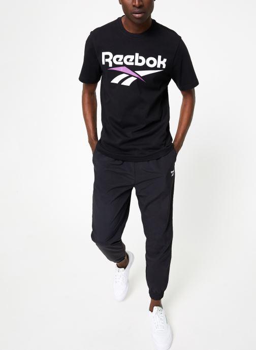 Vêtements Reebok CL V Tee Noir vue bas / vue portée sac