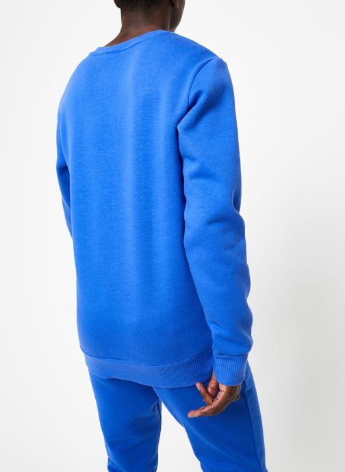Vêtements Reebok CL V Crewneck Jumper Bleu vue portées chaussures
