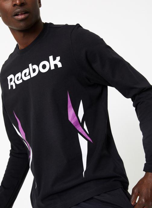 Vêtements Reebok CL V LS Tee Noir vue détail/paire