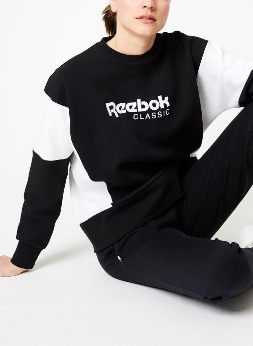 Vêtements Reebok CL A Crew Noir vue détail/paire