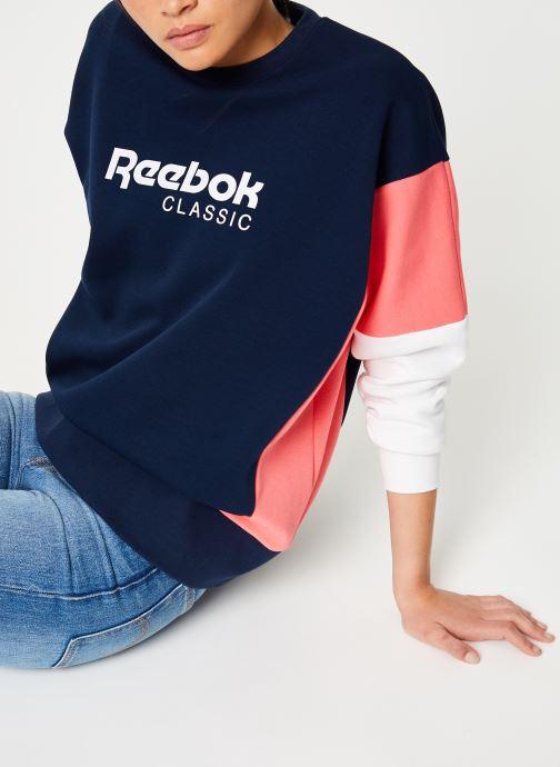 Vêtements Reebok CL A Crew Bleu vue détail/paire