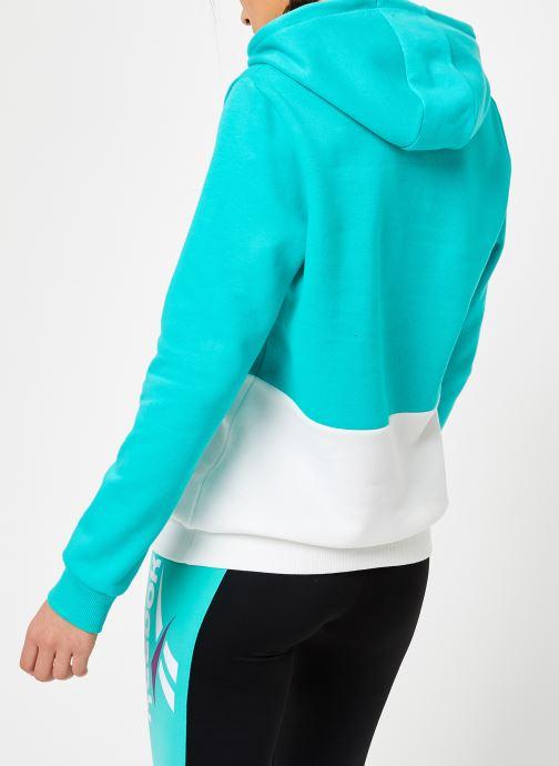 Vêtements Reebok CL V P Hoodie Bleu vue portées chaussures