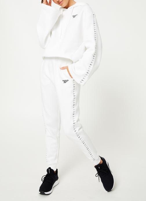 Vêtements Reebok CL V P Hoodie Blanc vue bas / vue portée sac