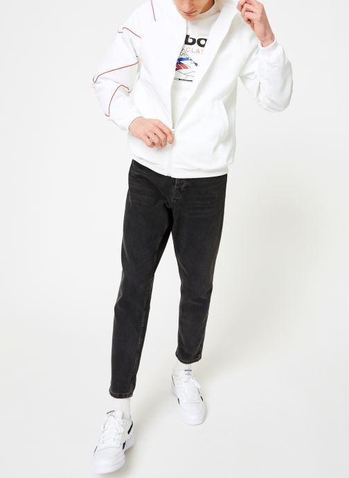 Vêtements Reebok CL V P Trackjacket Blanc vue bas / vue portée sac