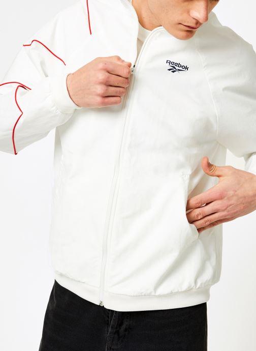 Vêtements Reebok CL V P Trackjacket Blanc vue détail/paire
