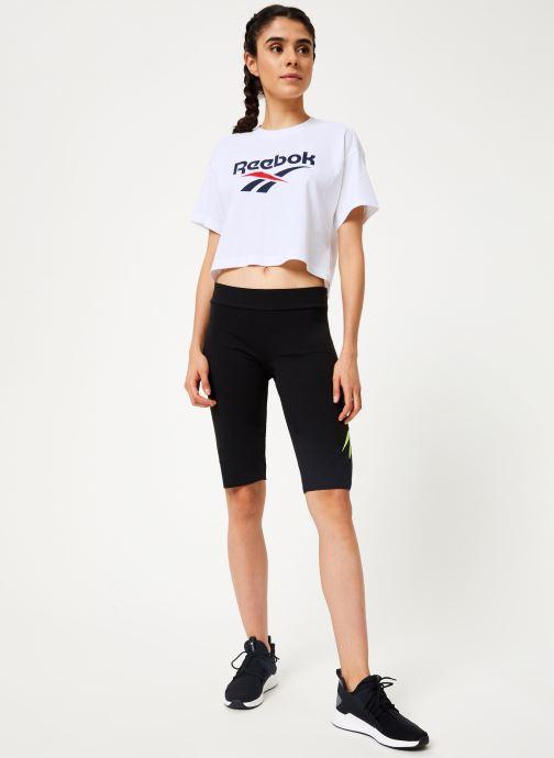 Vêtements Reebok CL V Tight Short Noir vue bas / vue portée sac