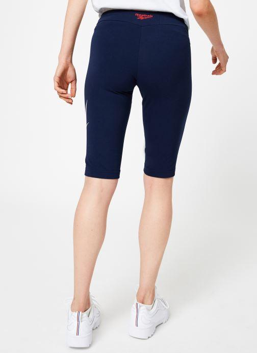 Vêtements Reebok CL V Tight Short Bleu vue portées chaussures